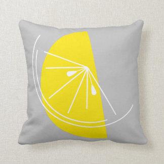 Gris de la casilla blanca del limón de la fruta cojin