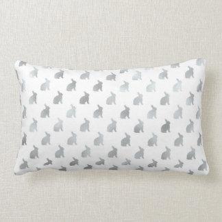 Gris de la hoja del fondo del conejito de los gris almohada