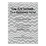 Gris ondulado del diseño de Halloween, blanco y Invitación 12,7 X 17,8 Cm