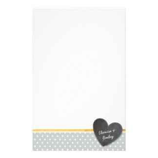 Gris pálido del corazón de la pizarra del lunar de papelería personalizada