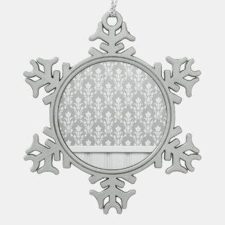 gris, plata, moda de madera de la antigüedad de la adorno de peltre en forma de copo de nieve