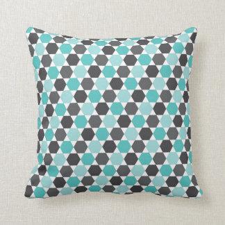 Gris y modelo geométrico azul del hexágono de la a almohadas