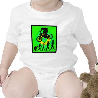 Griterío calvo de la bici traje de bebé