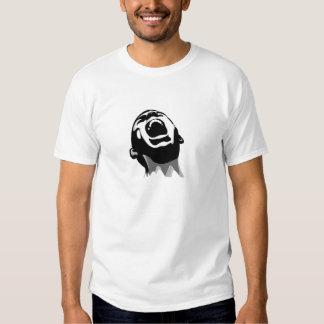 Griterío para la ayuda camisas