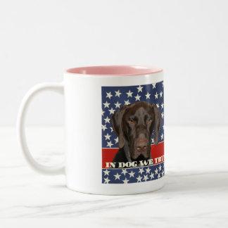 Grizzly4President, en perro confiamos en Taza De Dos Tonos