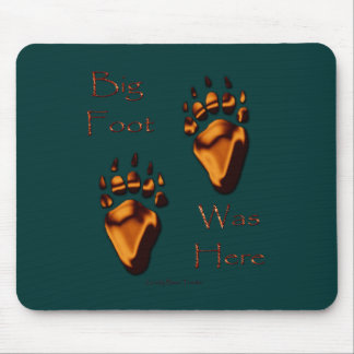 GRIZZLY BEAR TRACKS MOUSE PAD