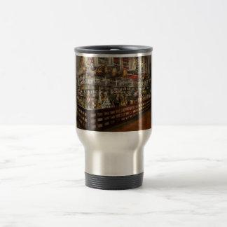 Grocery - Edward Neumann - The groceries 1905 Travel Mug