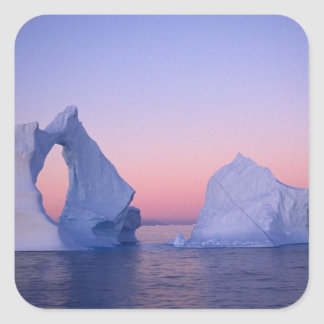 Groenlandia iceberg en la puesta del sol calcomanías cuadradas