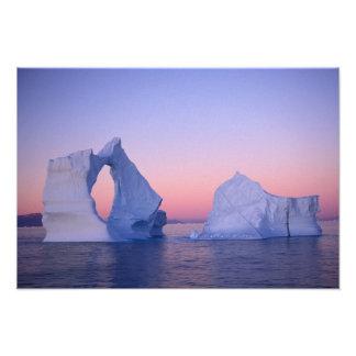 Groenlandia iceberg en la puesta del sol foto