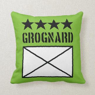Grognard de cuatro estrellas cojín decorativo