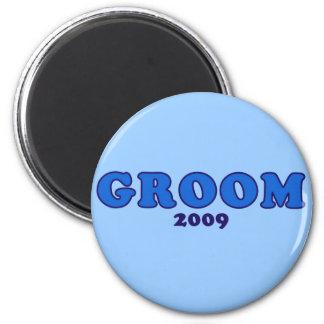 Groom 2009 2 inch round magnet