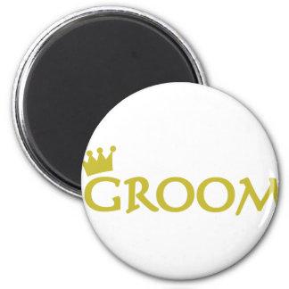 groom magnet