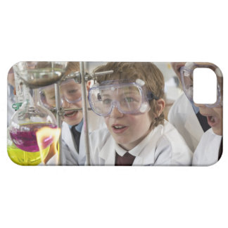 Group of children (9-12) watching experiment in iPhone SE/5/5s case