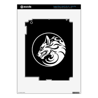 Growling White and Black Wolf Circle iPad 3 Skin