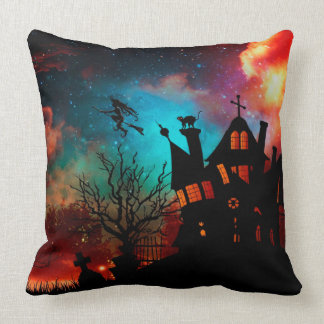 Gruesome Halloween Dekokissen Throw Pillow