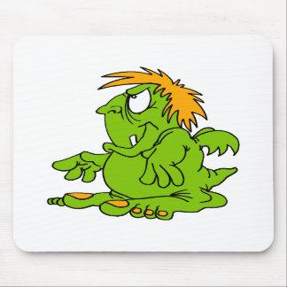 Grumbly poco dragón alfombrillas de ratón