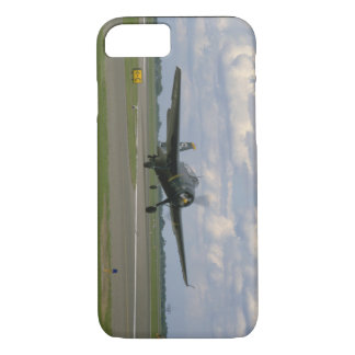 Grumman TBM Avenger, Landing_WWII Planes iPhone 8/7 Case