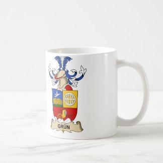 Grün Family Crest Classic White Coffee Mug