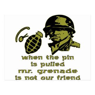 Gruña cuando el Pin es Sr. tirado Grenade Tarjetas Postales