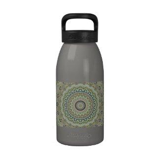 Grünes Kaleidoskop Wasserflasche
