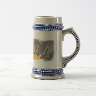 Grunge Basketball Players and Fan 18 Oz Beer Stein
