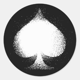 Grunge blanco de las espadas del juego de la pegatina redonda