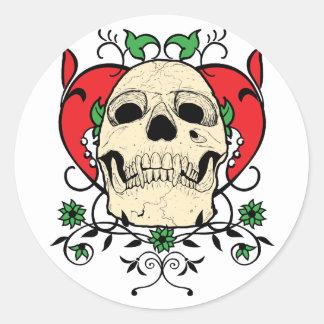 Grunge del corazón del cráneo pegatinas redondas