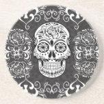 Grunge gótico blanco del azúcar del negro decorati posavaso para bebida