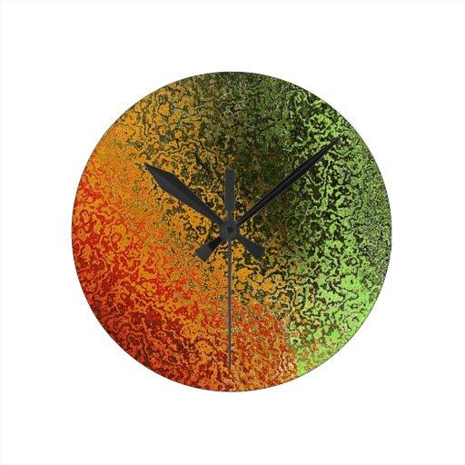 Grunge multi de los tonos reloj redondo mediano