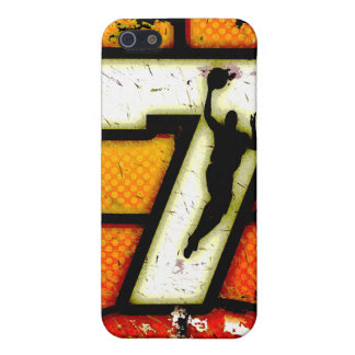 Grunge Style Number 7 Basketball and Player iPhone SE/5/5s Cover