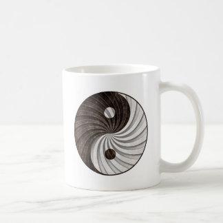 Grunge Yin Yang Sign Coffee Mugs