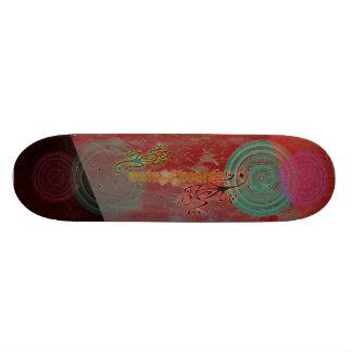 Grungy Gecko Skateboard Design