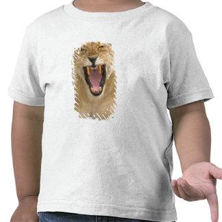 Gruñido B la África del Este Tanzania de la leon Camisetas