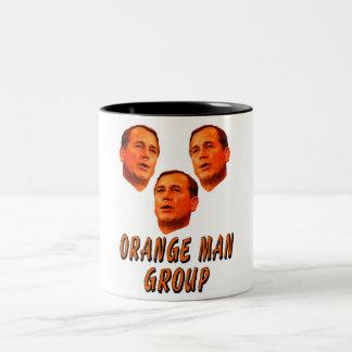 Grupo anaranjado del hombre taza de dos tonos