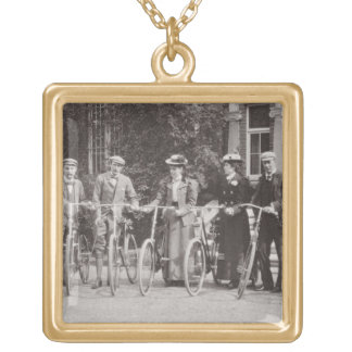 Grupo de bicyclists de Edwardian, 1900s tempranos  Grimpolas