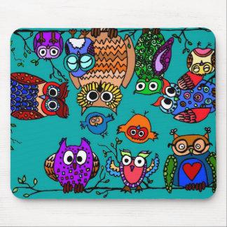 Grupo de búhos del dibujo animado tapete de ratones