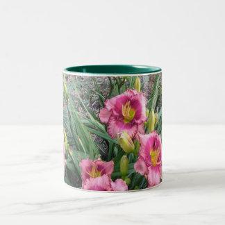 Grupo de Daylilies rosados Taza De Café