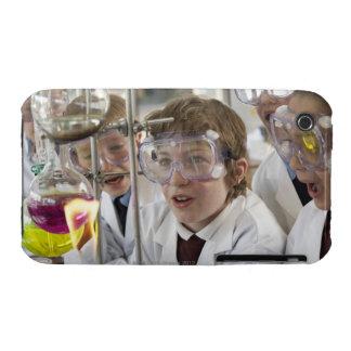 Grupo de experimento de observación de los niños Case-Mate iPhone 3 protector
