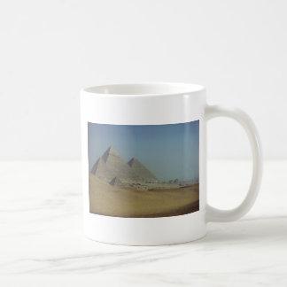 Grupo de la pirámide taza de café