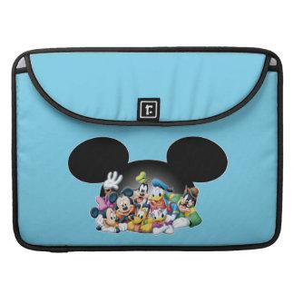 Grupo de Mickey y de los amigos el | en los oídos Funda Macbook Pro