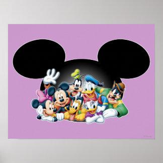 Grupo de Mickey y de los amigos el | en los oídos Póster