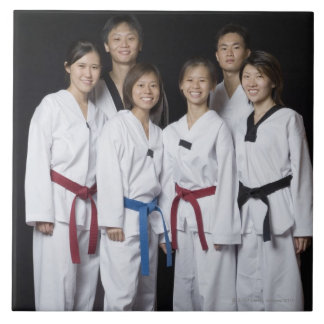 Grupo de situación del jugador de los artes marcia azulejo cuadrado grande