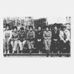 Grupo de soldadores de las mujeres durante la rectangular altavoz