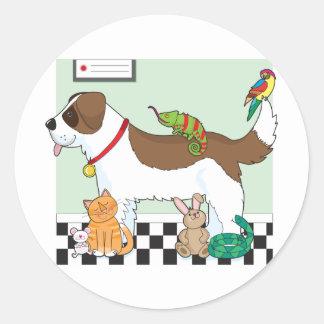 Grupo del mascota etiqueta redonda