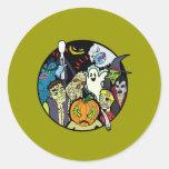 Grupo del monstruo de Halloween Etiqueta Redonda