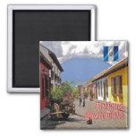 GT - Guatemala - Antigua - Calle del Arco Imán Cuadrado