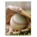Guante y bola de béisbol libro de apuntes con espiral