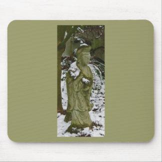 Guanyin sacó el polvo con nieve de la tierra baja alfombrilla de raton