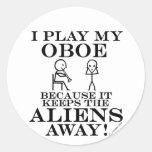 Guarda a los extranjeros Oboe ausente Pegatinas Redondas