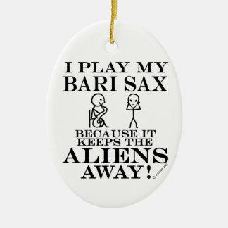 Guarda el saxofón ausente de Bari de los Adorno Navideño Ovalado De Cerámica